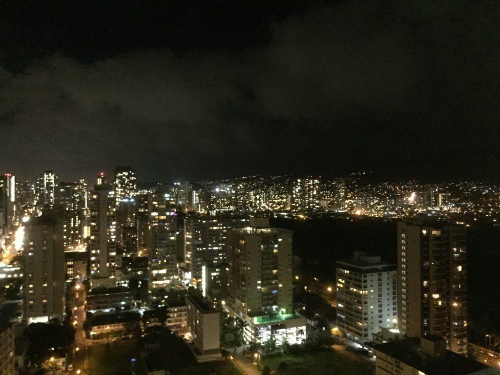 ワイキキバニアンからの夜景