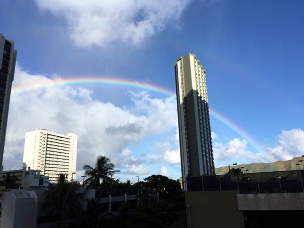 ワイキキバニアンBBQ場から虹が見えました